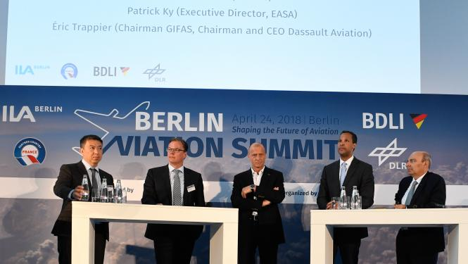 The future has arrived: panel discussion at the Berlin Aviation Summit I Foto: Timm Bourry