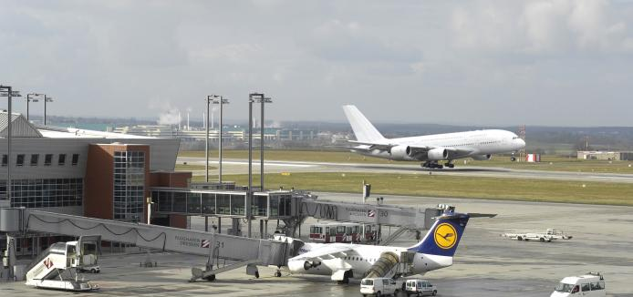 Airbus A380 landing in Dresden.