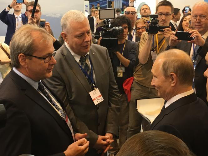 Volker Thum welcomes President Putin at MAKS International Aviation and Space Salon